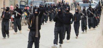DEAŞ Teröristlerinin Bir Elinde ABD Bir Elinde Rus Silahları Var